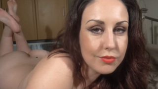 Lucy Marie – Make your Mommy feel really special