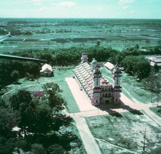 Mặt trước Tòa thánh Tây Ninh nhìn từ máy bay.