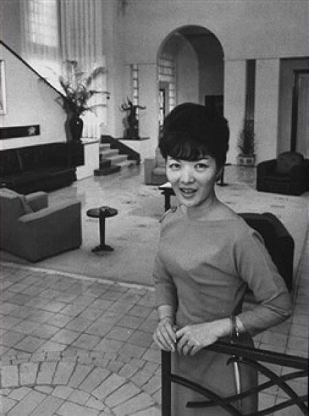 Bà Trần Lệ Xuân tại dinh thự của mình ở Đà Lạt, tháng 7/1962.