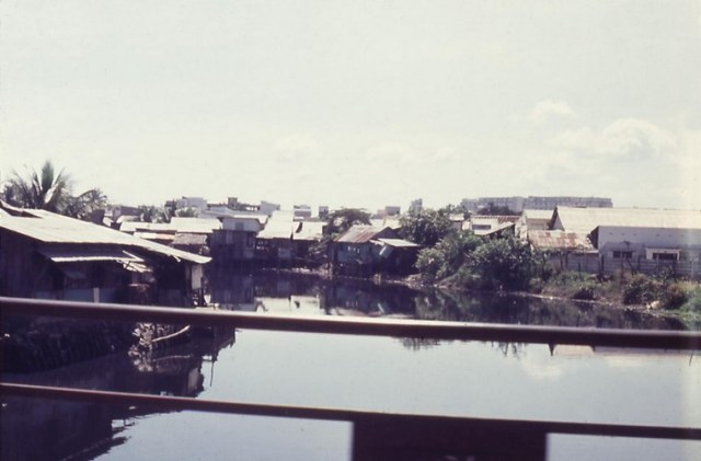 Trên cầu Công Lý.
