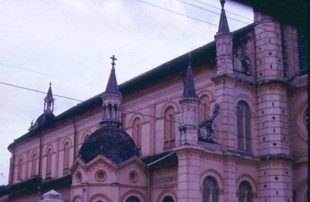 Một góc nhà thờ Tân Định.