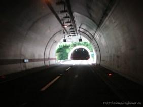 Din tunel în tunel pe autostradă în Croația