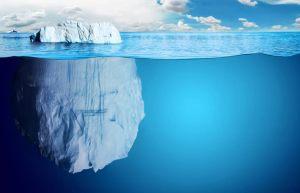 氷山で水面から出ているのは、全体の約10%だけ