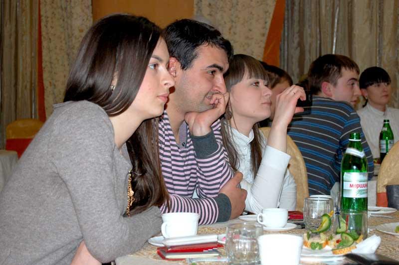 """5 квітня 2011 року в приміщенні ресторану """"Оазис"""" з ініціативи журналу «Весільний Сезон», відбулася """"Школа наречених"""""""