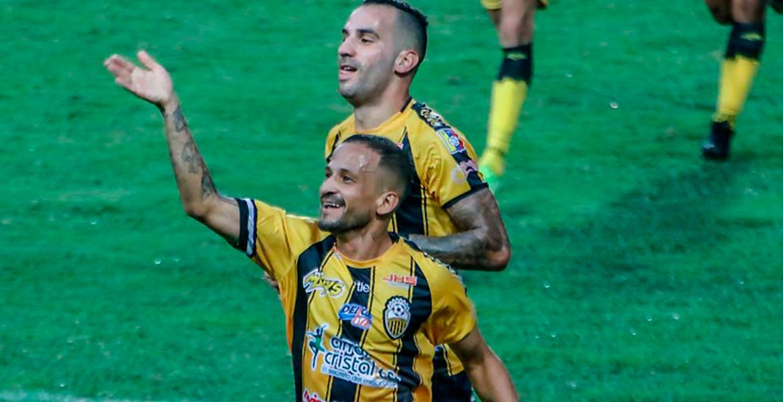 Dvo Táchira venció 2-1 sobre el final a Metropolitanos FC en Pueblo Nuevo