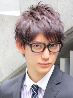 入学式のスーツに合うショートの男性の髪型