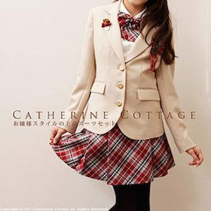 小学校の卒業式の女の子の服装 7