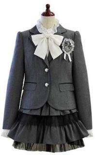 小学校の卒業式の女の子の服装 9