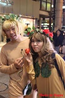 アダムとイブのおもしろいハロウィンで人気の仮装