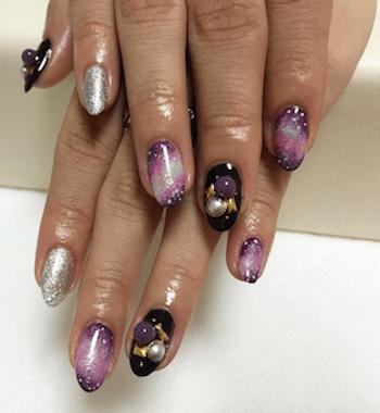 成人式の紫の人気ネイルデザイン2(紫×黒×シルバー)
