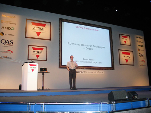 Tanel speaking at UKOUG Conference