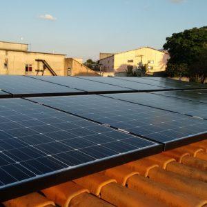 03 - Instalação dos módulos fotovoltaicos - 14 x 275Wp Sun Edison