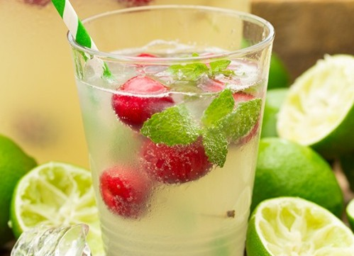 طريقة عمل شراب الليمون الاخضر والكرز