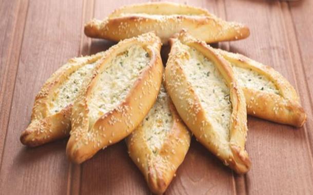 طريقة عمل فطائر بالجبن العكاوي