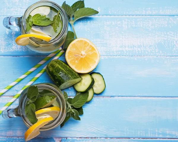 فوائد الماء المنكه بالفواكه والخضروات Atkins-Infused-Water