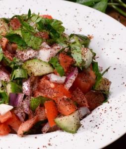 سلطه البصل السماق الشهية Iraqi-sumac-salad-68