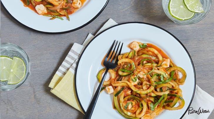 نودلز الكوسا بصوص الطماطم وصفلة pomodoro_big.jpg?res