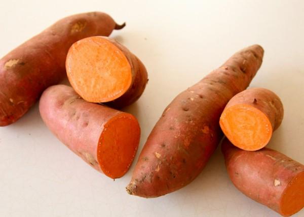 المكان الأنسب تخزين البطاطس الحلوة sweet-potato-orange-