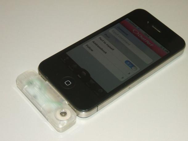catperf 610x458 Gadget japonês pode transformar o iPhone em um smartphone mais cheiroso