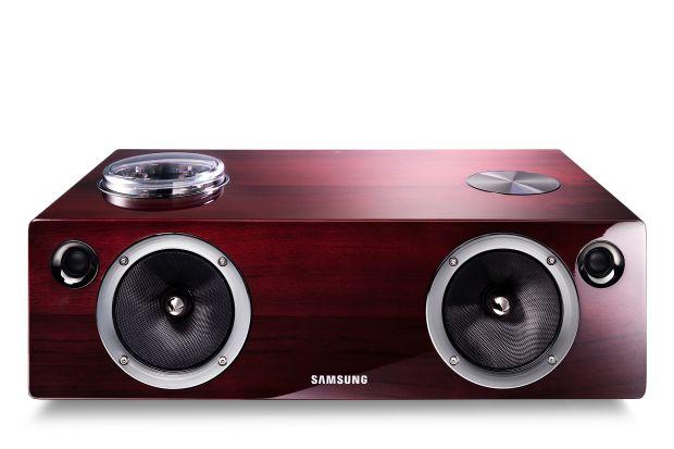 br DA E750 ZD 001 Front brown Samsung lança no Brasil três novos docks Wireles Audio Dock