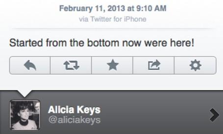no slug 1medium Alicia Keys, agora funcionária do BlackBerry, usa o Twitter pelo seu iPhone. E culpa um hacker por isso!