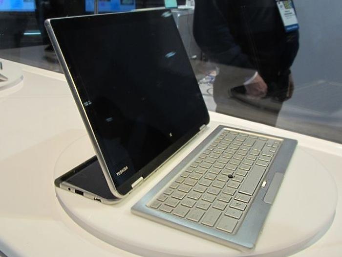 Toshiba 5 in 1 PC concept1 CES 2014: Toshiba mostra conceito de portátil 5 em 1