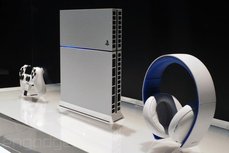 p6101739 1 E3 2014 | Uma olhada mais de perto no novo PS4 branco