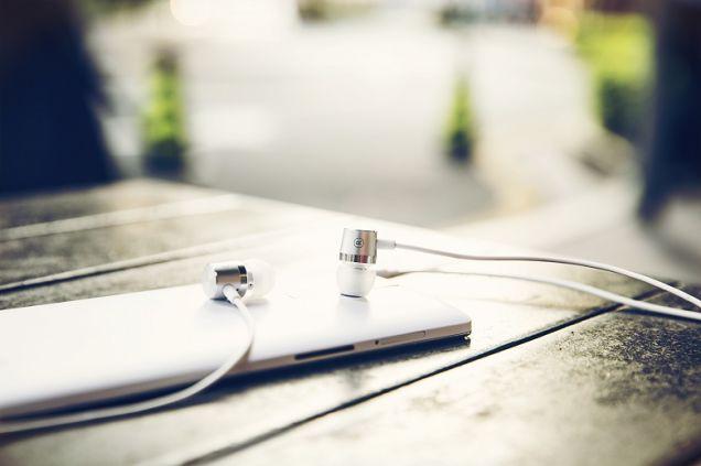 zfzz7hy1nm2vrlduemyj OnePlus One recebe fones de ouvido oficiais