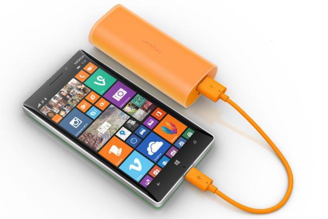 Microsoft Portable Power 01 Microsoft Portable Power, os acessórios que eram da Nokia, com assinatura Microsoft