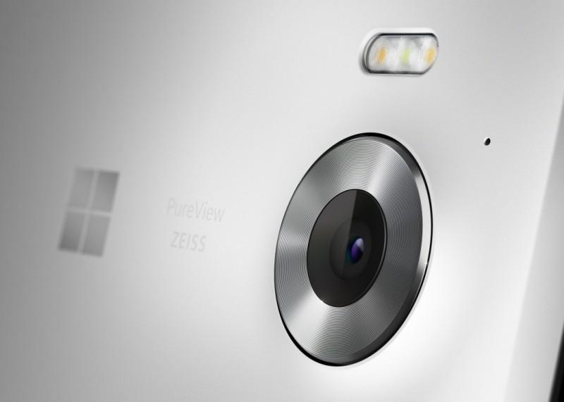 Lumia_950_Marketing_04_White