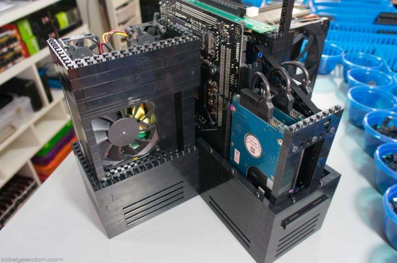 Lego Gaming Computer-07