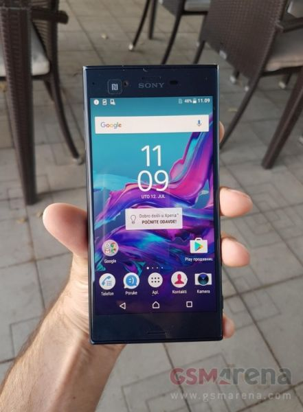 Sony Xperia F8331 04