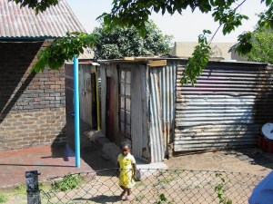 Soweto tour, typical Orlando East and many young children