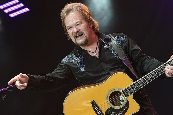 Travis Tritt Posts Twitter Rant After Beyonce's CMAs Show