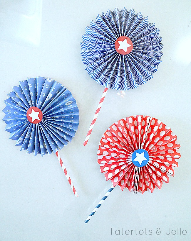printable star lollies at Tatertots & Jello