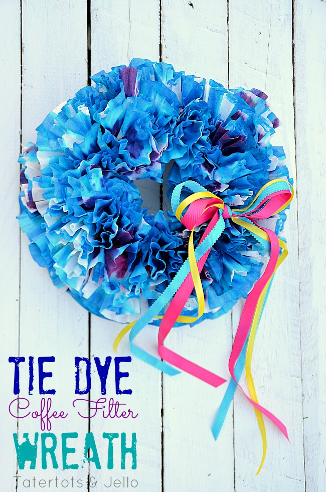 tie dye coffee filter wreath at tatertots and Jell