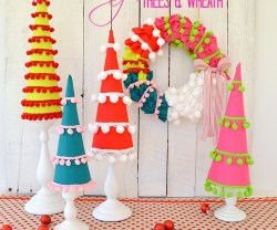 holiday pom pom trees and wreath at tatertots and jello