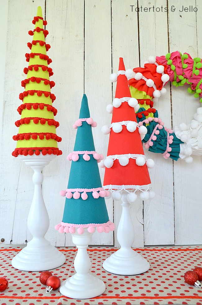 pom pom holiday trees at tatertots and jello