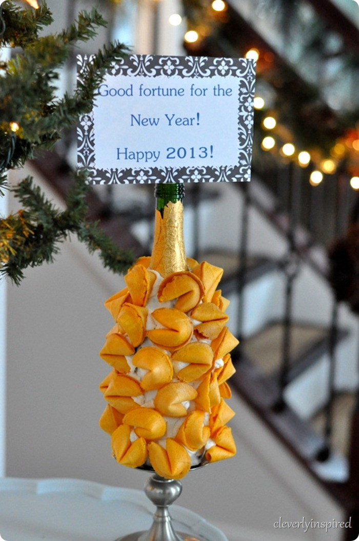new-years-eve-fortune-cookie-display-cleverlyinspired-4_thumb
