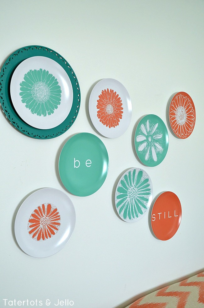 flower plate wall and free printables