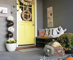 Easy Halloween Porch Decor