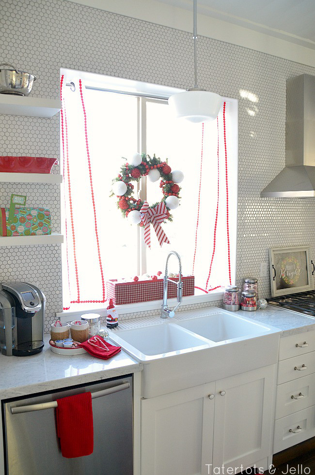 red-and-white-oliday-kitchen-at-tatertots-and-jello[1]