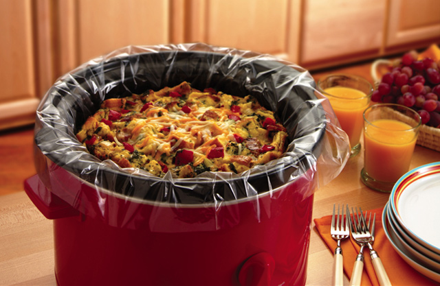 reynolds-slow-cooker-liners-in-crockpot