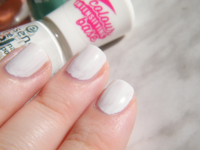 Essence The Gel Canada Wild White Ways Swatches & Review