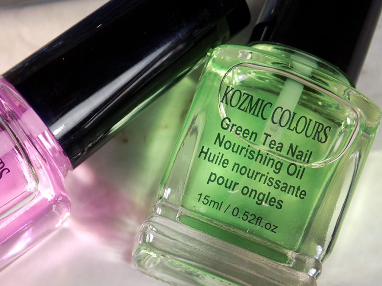 Mariposa Kozmic Colours Nail Therapy Set - Green Tea Nail Nourishing Oil Review