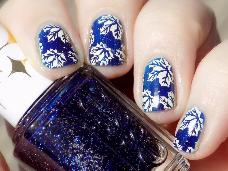 Toronto Maple Leafs Nail Art with Essie Starry Starry Night - BP-L024 and MdU Bones - swatch sunlight