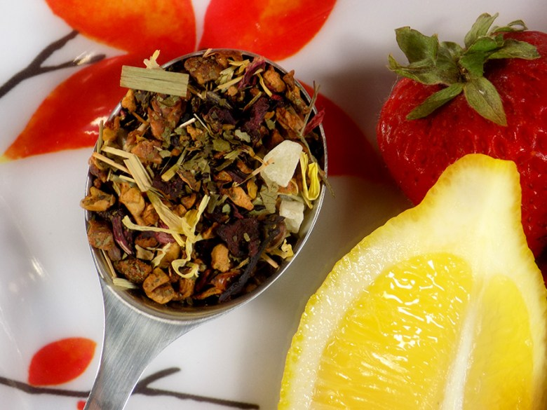 DAVIDSTEA Strawberry Lemonade from the Freshly Squeezed Collection - Loose leaf tea with fruit
