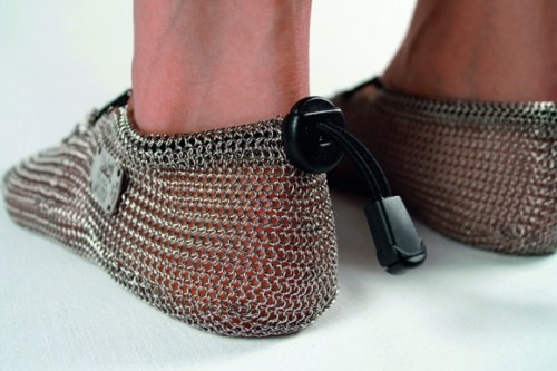Gost-Barefoots-chainmail-barefoot-shoes