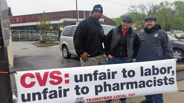 Local 727 representatives inform the public of CVS management's unfair labor practices outside CVS #8760 at 3333 Central St. in Evanston, Ill.