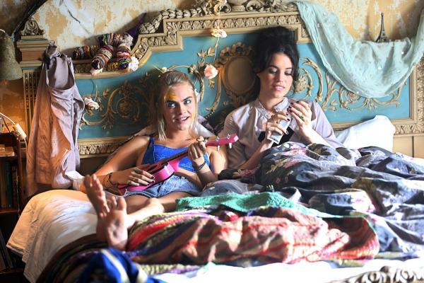 Kids in Love Movie - Cara Delevingne and Alma Jodorowsky
